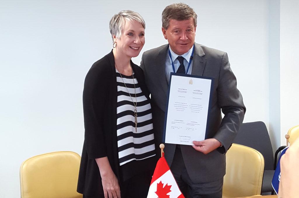 La ministre du Travail, Patricia Hadju,et le directeur général du Bureau international du travail, Guy Rider.