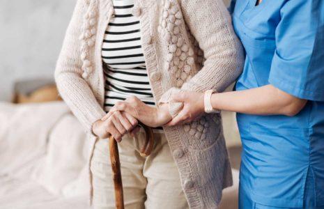 Un changement de cap nécessaire dans le financement des soins à domicile