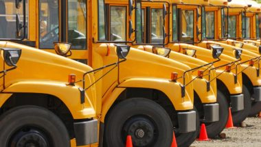 Transport scolaire : Québec doit imposer et financer des barrières protectrices