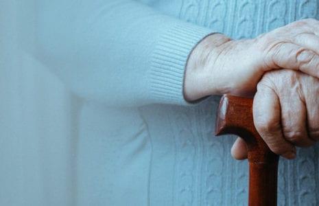 Pour réaliser les maisons des aîné-es, il faut d'abord investir dans le personnel
