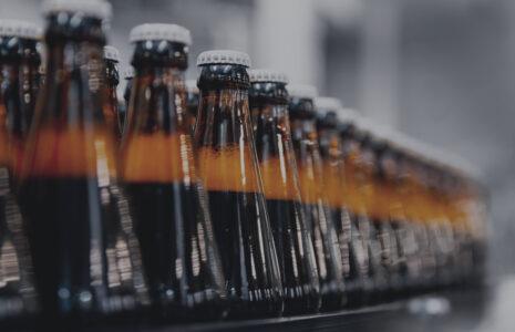 Pénurie de bouteilles de bière brunes : que les acteurs de l'industrie trouvent une solution