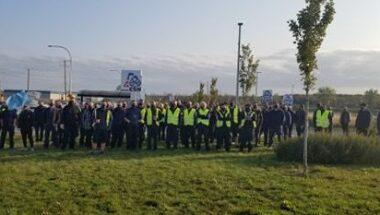 Grève de 24 heures à l'entrepôt central de Jean Coutu à Varennes