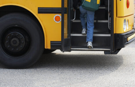 La CSN salue les nouvelles primes de 2000 $ dans le transport scolaire