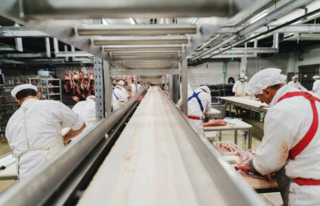 Olymel fait encore passer ses profits avant la santé des salarié-es