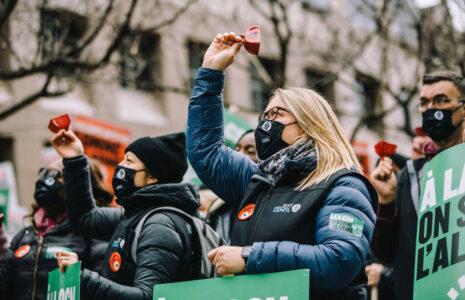 Le gouvernement refuse d'agir pour relever les services publics; la CSN prépare la grève