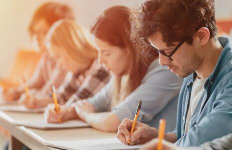 15 000 enseignantes et enseignants (FNEEQ–CSN) exigent mieux pour le réseau collégial