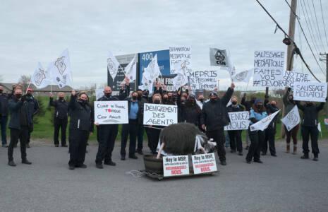 Les agents correctionnels du Québec exigent davantage de reconnaissance