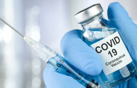 Vaccination obligatoire : la CSN appelle à considérer tous les enjeux