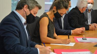 Une première signature de convention collective pour les professionnelles et les techniciennes du réseau de la santé et des services sociaux