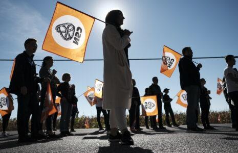 Demi-journée de grève au Collège Esther-Blondin