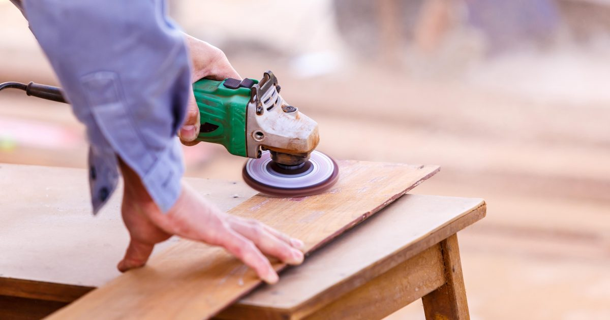 carpenter plane wood for house construction