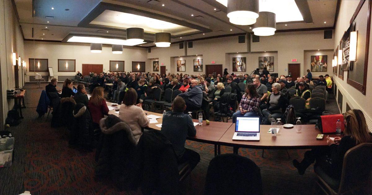 Les membres du STTT-CSN en assemblée générale extraordinaire ce soir.