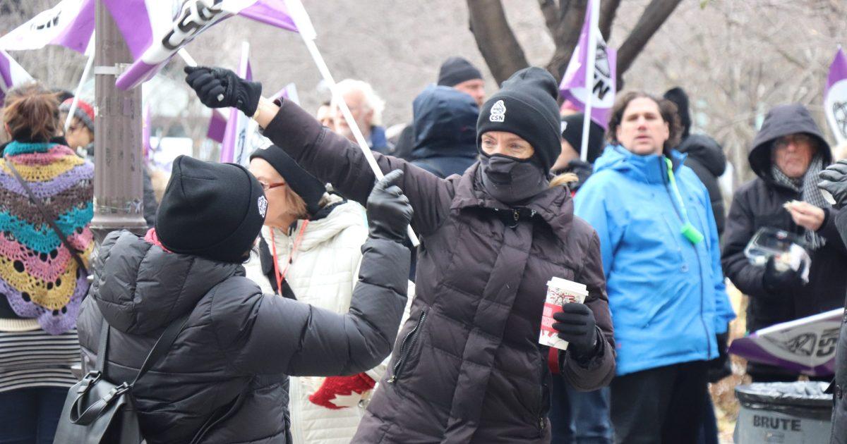 Manifestation de tuteurs_source FNEEQ